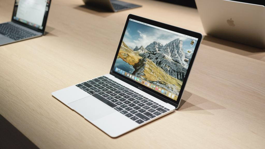 Hey Geeks, Stop Complaining About The New MacBook. It's Not Made For You