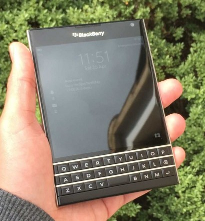 Blackberry Passport Banner