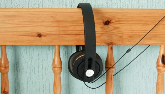 Angle and Curve Carboncans Headphones Review: Exceptional Craftsmanship