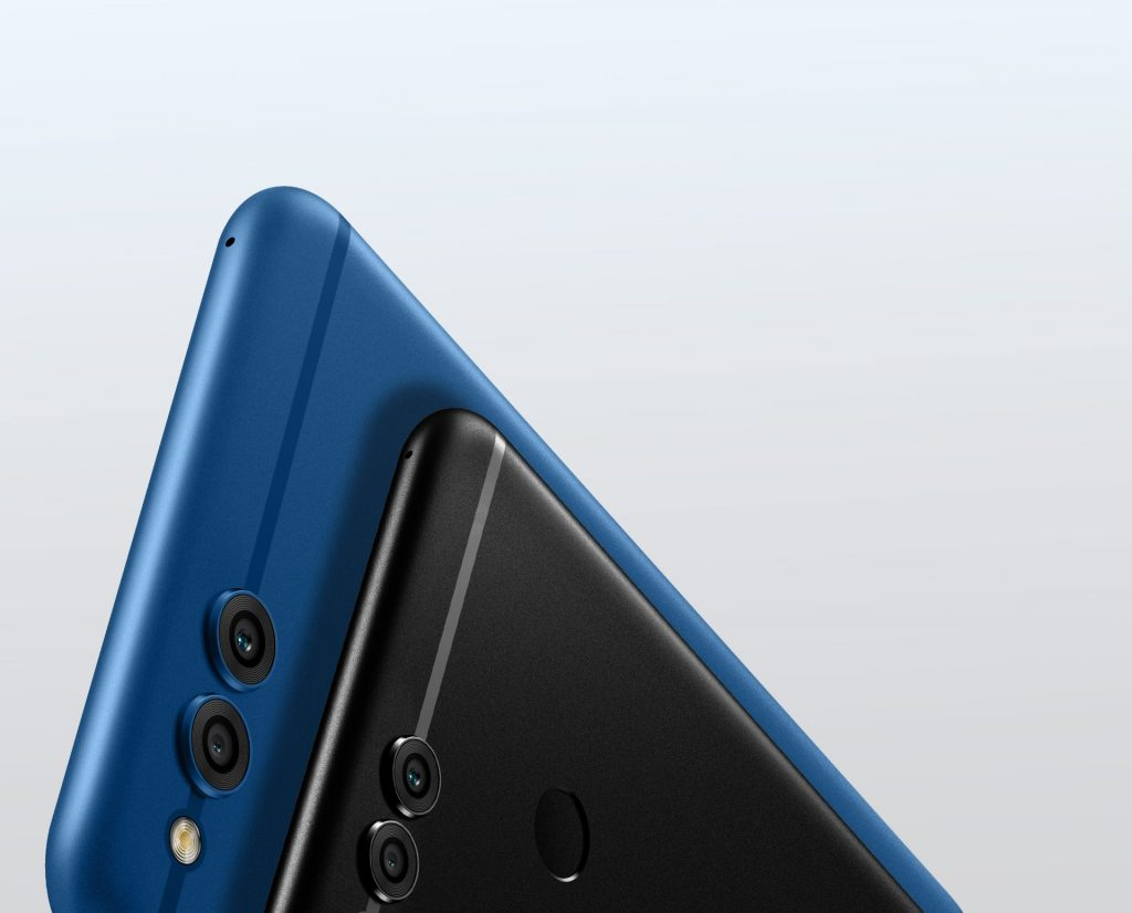 Honor 7X Android Smartphone in Blue and Black